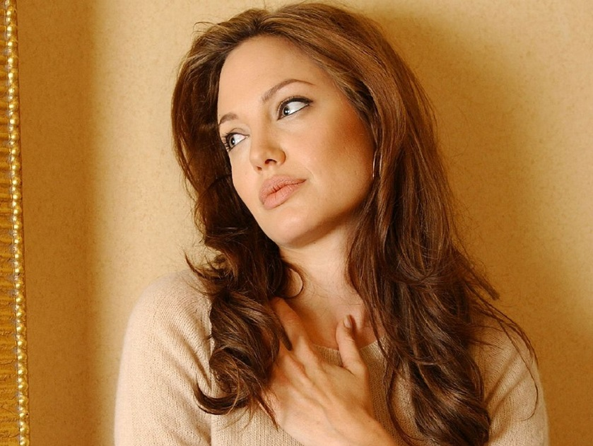 Angeline Jolie Stunning Wallpapers