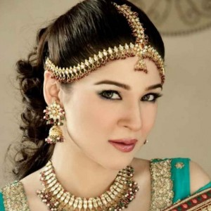 Beautiful Pictures of Ayesha Omer