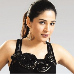 Cool Wallpapers of Ayesha Omer