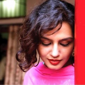 Cute Wallpapers of Huma Qureshi