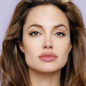 Hot HD Wallpapers of Angelina Jolie