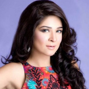 Pictures of Ayesha Omer