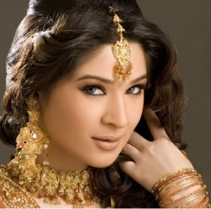 Profile and Pictures of Pakistan Actress Ayesha Omer