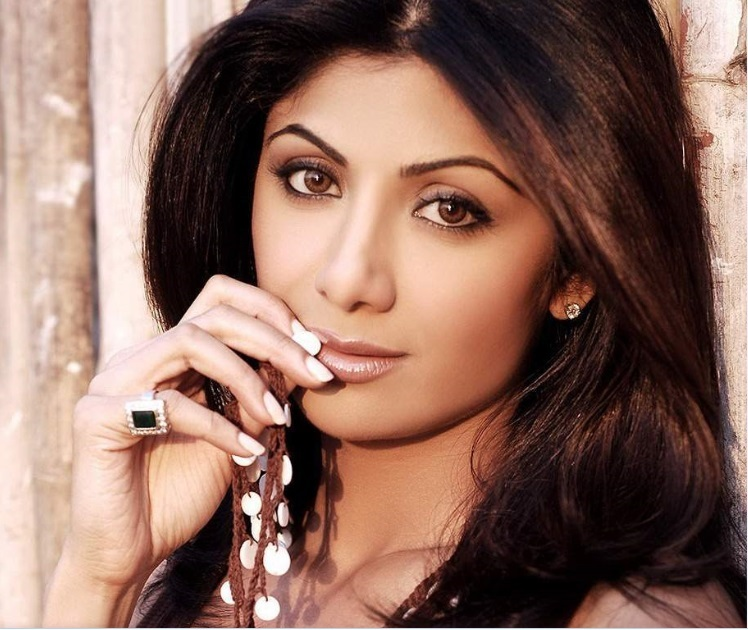 Shilpa Shetty Bio and HD Wallpapers for Desktop