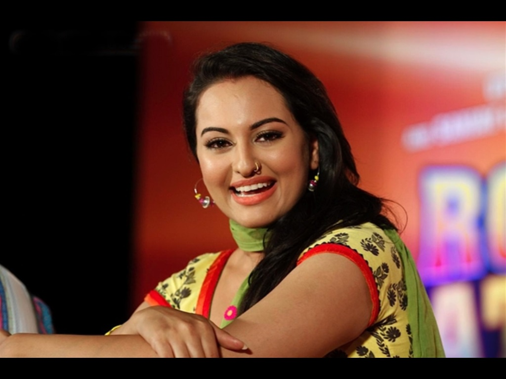 indian actress sonakshi sinha wallpapers free download