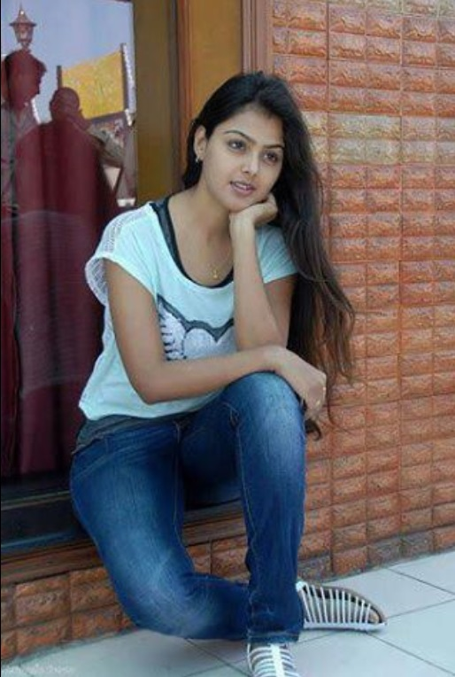 cute girls pic college Desi